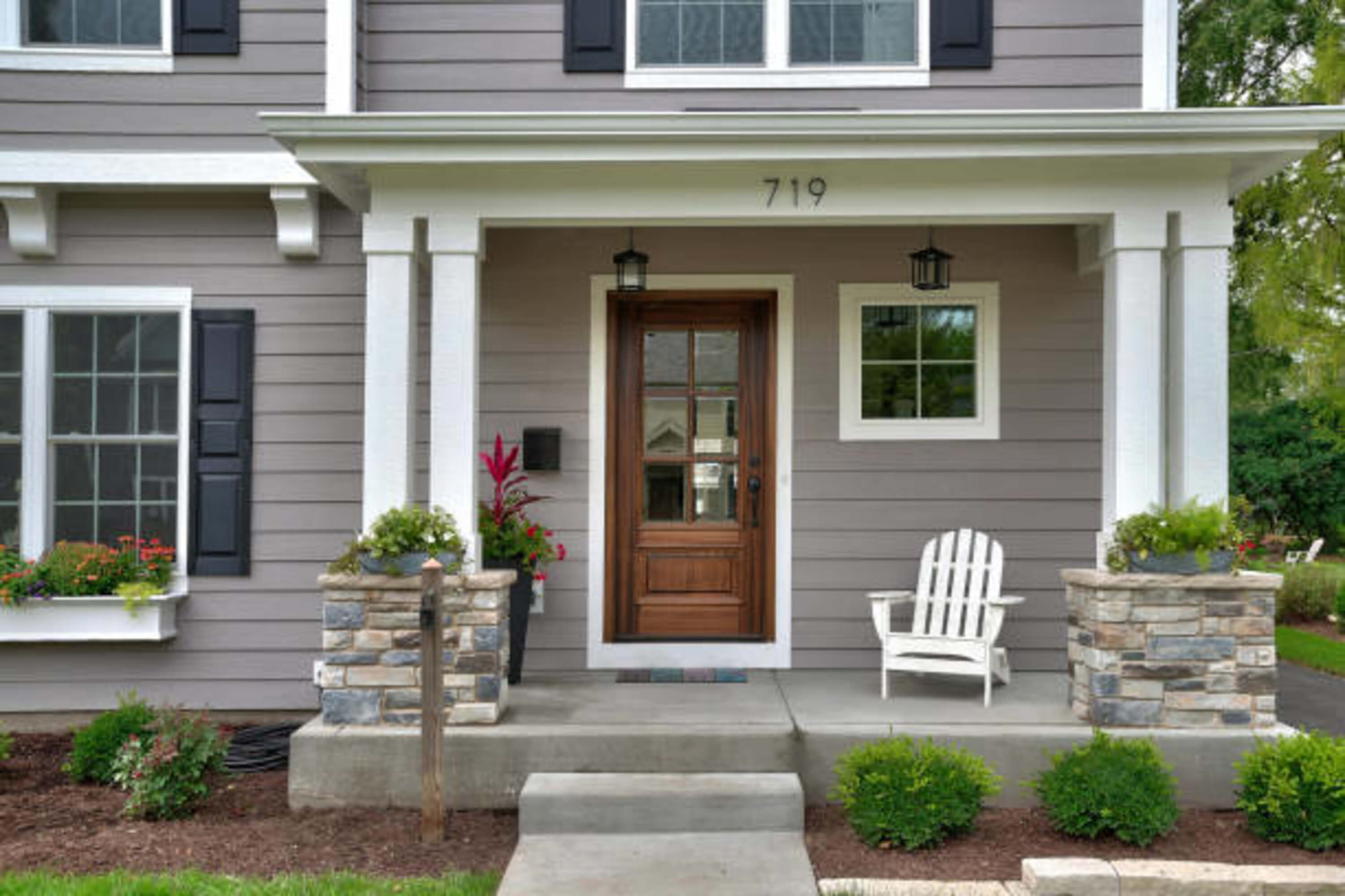 4 Common Types of Siding for Commercial Buildings